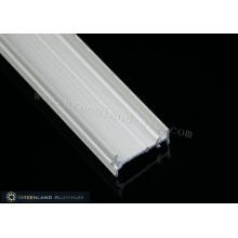 Vorhangschiene aus Aluminiumprofil in schwerer Ausführung mit Roségold
