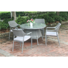 Открытый обеденный стол и стул сада