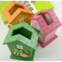 casa de madeira animal em forma de porta-lápis