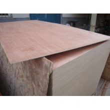 Madera contrachapada okoume usada para muebles