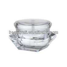 Привлекательный косметический футляр из чистого алмаза