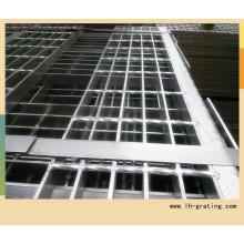 Heißer Verkaufs-galvanisierender Stahltreppen-Tritt mit Nosing
