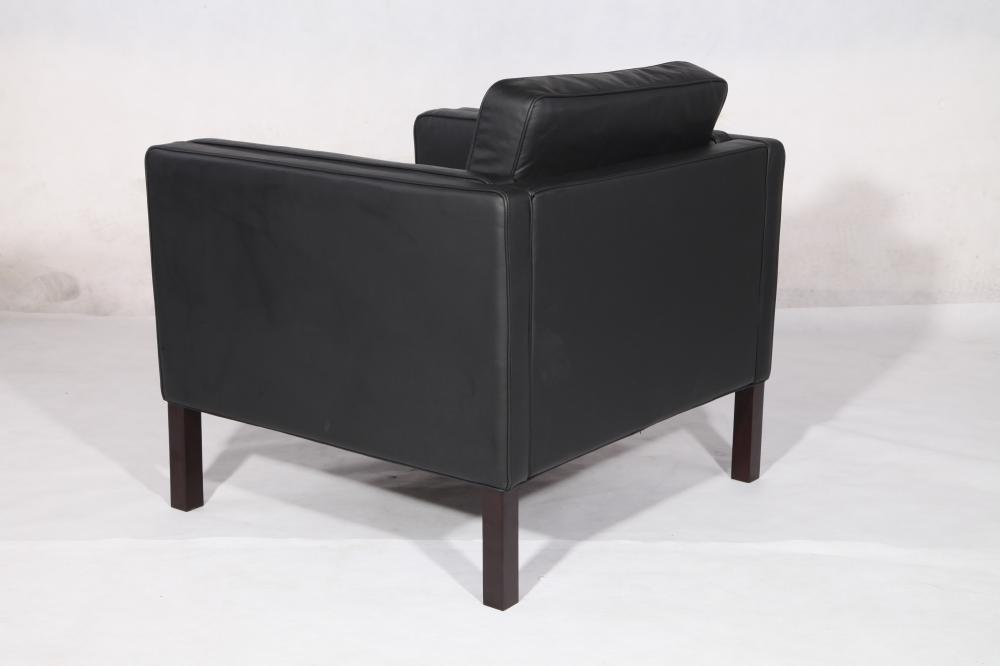 black leather borge mogensen sofa