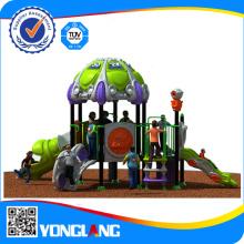 Открытый дети играют структуры для школы