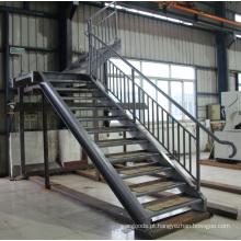 Aço de construção (escada de aço com balaustrada)