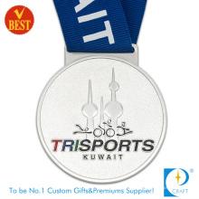 China Druckstempel Zink-Legierung 3D Trisports Medaille in hoher Qualität