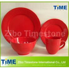 16PCS keramische rote Farbe geprägte Dinner-Set