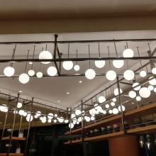 Suspensions de lustre en verre personnalisées pour hôtel moderne