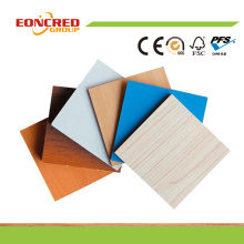 Оптовая цена деревянного зерна Цвет/белый цвет меламин Водонепроницаемый МДФ