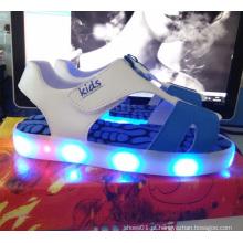 Crianças moda verão sandálias brilhantes piscando luz LED shoes (tl67-1)