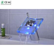 Grifo de lavabo LED de una sola manija de vidrio Waterfall (QH0801F)