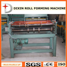 Machine à former des rouleaux en tôle