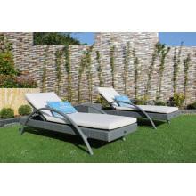 Chaise longue solaire Poly Rattan pour plage, piscine et stationnement