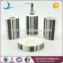 Sostenedor de cepillo de dientes blanco y negro de cerámica de 4pcs del cepillo de dientes del efecto de la pintura al óleo para el cuarto de baño