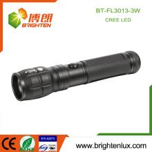 Factory Wholesale 3 * AAA batterie utilisé Matériau Multi-fonction Portable Aluminium High Power Cree led Focus Light