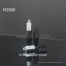 Plástico con el rimel del gancho tubo cosmético negro