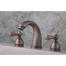 """Q30223A Robinet de lavabo 8 """"à trois leviers, chaud et froid, antique"""