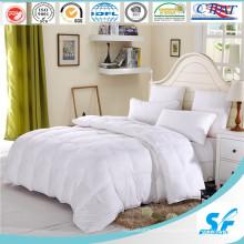 50% Couette en polyester de couleur alternative pour usage domestique et hôtelier