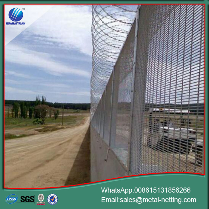 Welded Top Roll Fence