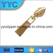 2016 Resbalador de cierre automático de la venta caliente para la cremallera de nylon YYC