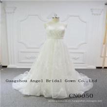 Vestido de novia encantador y atractivo