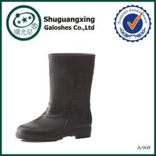 el invierno patea los zapatos ocasionales de la lluvia del pvc de los hombres para las mujeres
