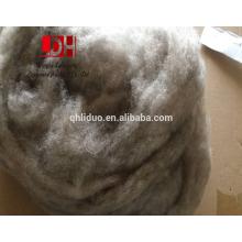 Fibra de lã de ovelha de caxemira de cor branca e natural lavada com branco e cardada