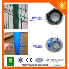 Metal or plastic fence fastenings for wire mesh fence