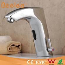 Mitigeur automatique de bassin de lavage de capteur inductif