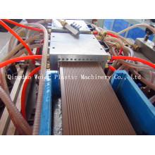 Máquina de placa de decks WPC para uso ao ar livre