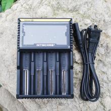 Nitecore D4 LCD Intellicharge Chargeur avec nous / EU / UK Plug