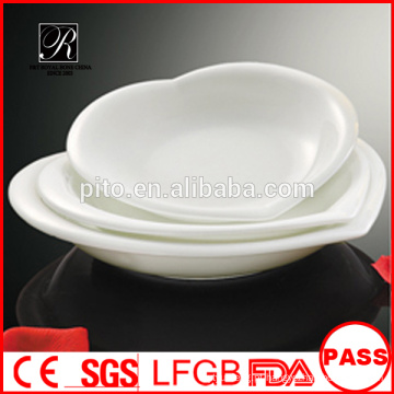 Placa em forma de coração de porcelana, placas de sopa de porcelana, placas de uso diário de porcelana em forma de coração branco para o hotel