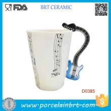 Manija de la música del violín Notas musicales de la moda Taza de cerámica del café del té