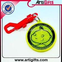 Artigifts charmes de porte-clés en plastique bon marché de haute qualité