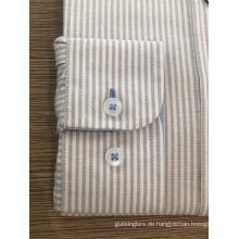 Weibliches Hemd aus 100% Baumwollgarn