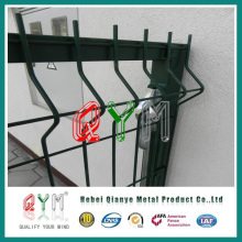 Curvy Welded Wire Fence