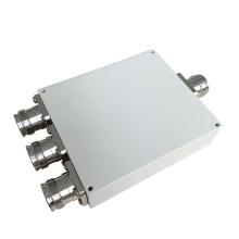 550-2700MHz Wilkinson Micro Stripline 4.3-10 Female 3 Way Power Splitter