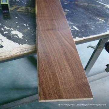 Pisos de madera dura de nogal americano preacabado
