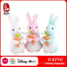 Conejo relleno de regalo de promoción de juguete de felpa de Pascua con conejito de juguete suave de zanahoria