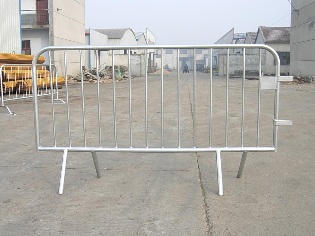 metal crowd control barrier 10