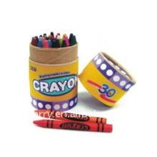 Crayones de tamaño pequeño en caja de color