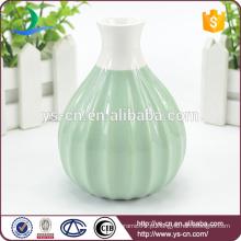 Vaso de flor de cerâmica em relevo