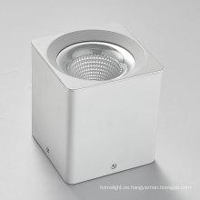 Downlight LED COB regulable 10-40W montado en superficie