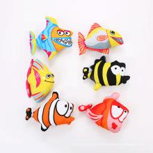 Cartoon-Form Fisch Katzenspielzeug mit Katzenminze