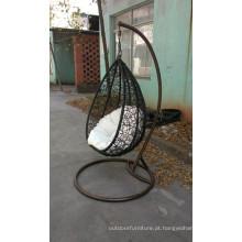 Cadeira de balanço do ferro ao ar livre do Rattan