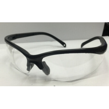 Прозрачное защитное стекло с черным контуром