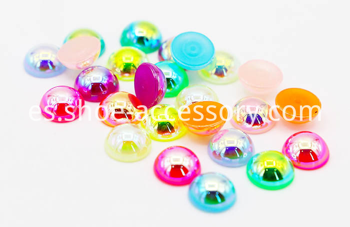Plastic Sphere Studs in Gloss Varnish