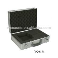 Inserte el armazón de aluminio portable con el encargo de la espuma