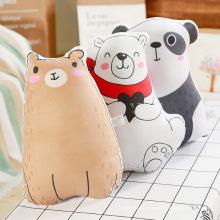 Tragen Sie pandaförmige Kissen
