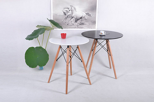 Eames DSW Table